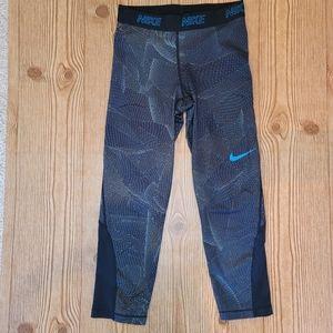 Nike DRI-FIT Capri Leggins Size s
